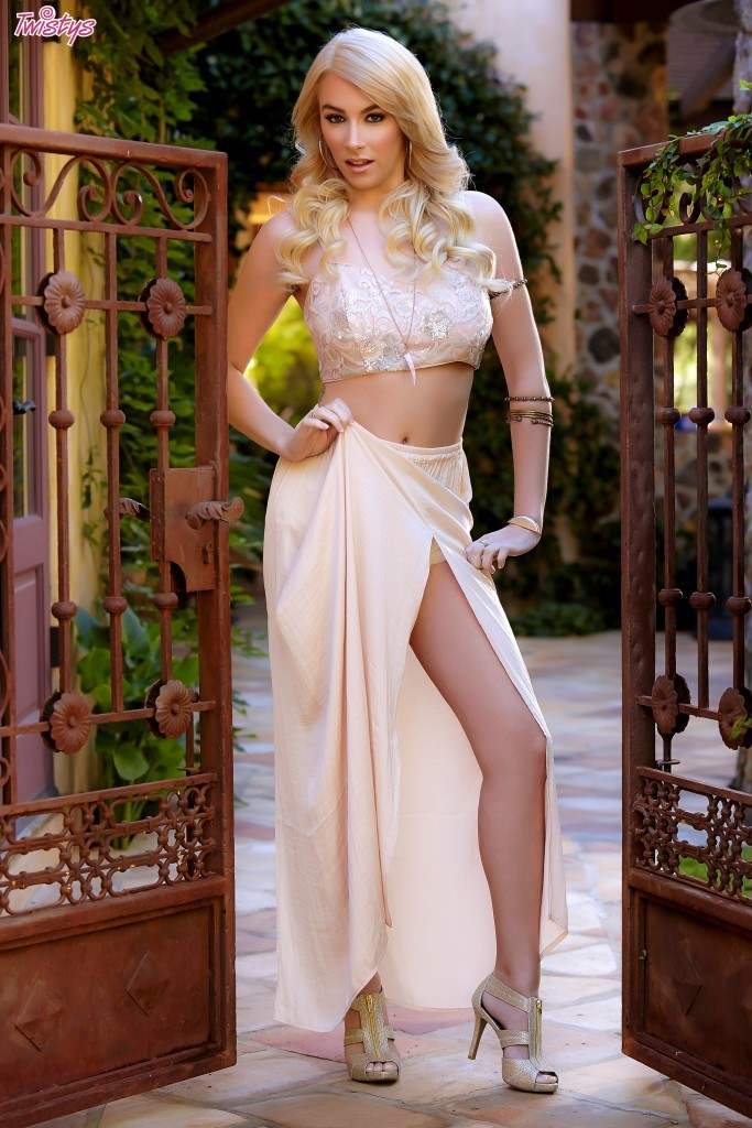 penelope lynn clothed